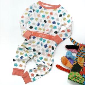 Cat & Jack 2 Piece Pajamas / Play Set Size 18 M